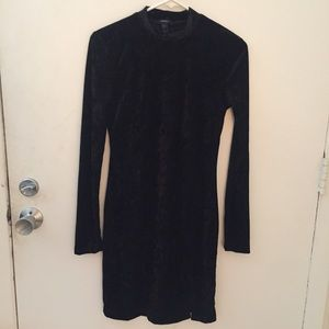 NWOT Black Velvet Turtle Neck Longsleeve Dress/S